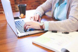 8 טיפים לאיזון העבודה שלך עם הכנסה נוספת